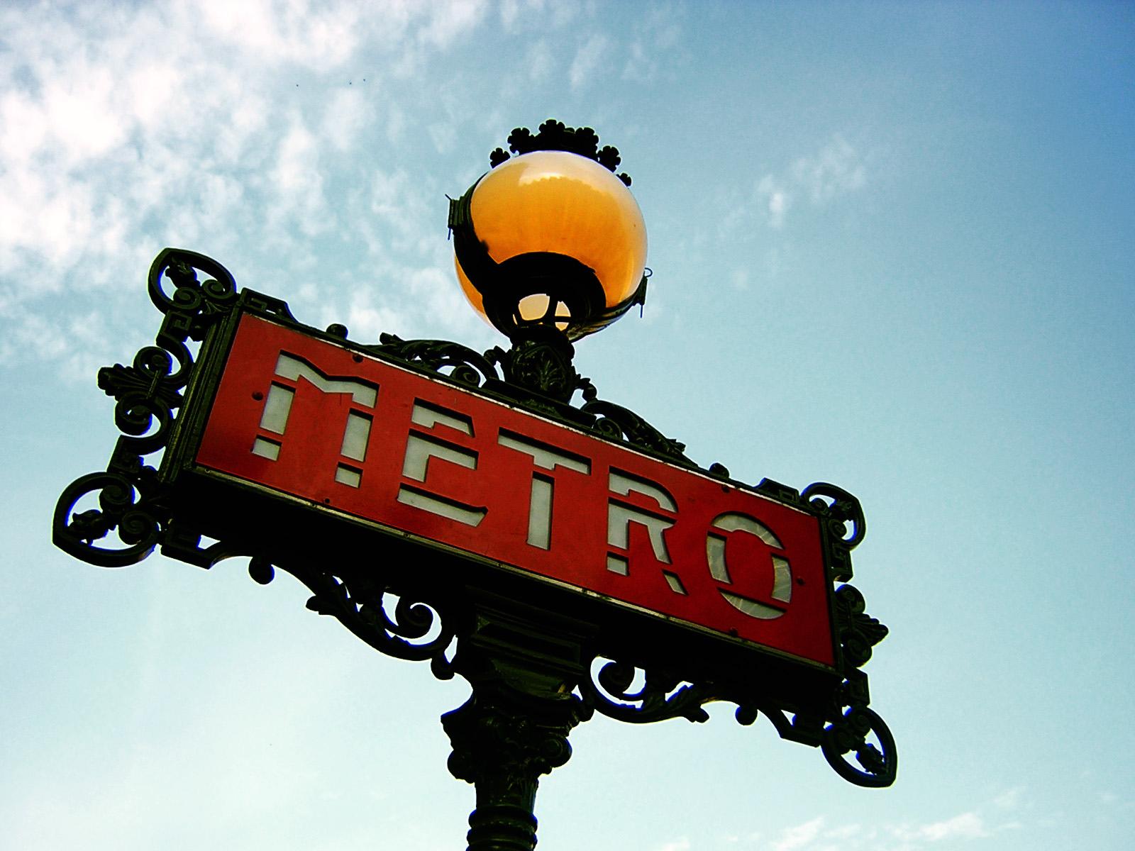 Paris_Metro_Sign