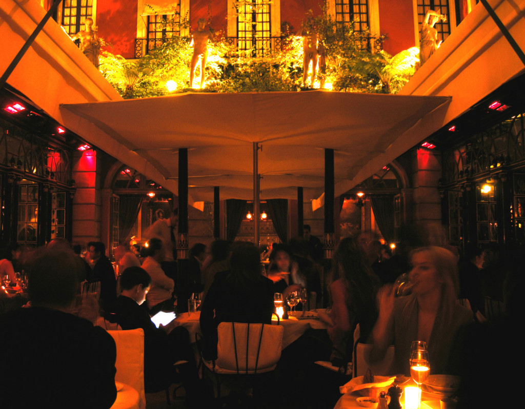 Paris Frivole hotel Costes - sortir à Paris