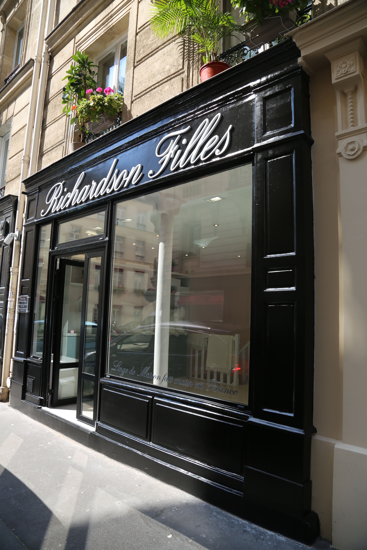 Showroom_Richardson_Filles
