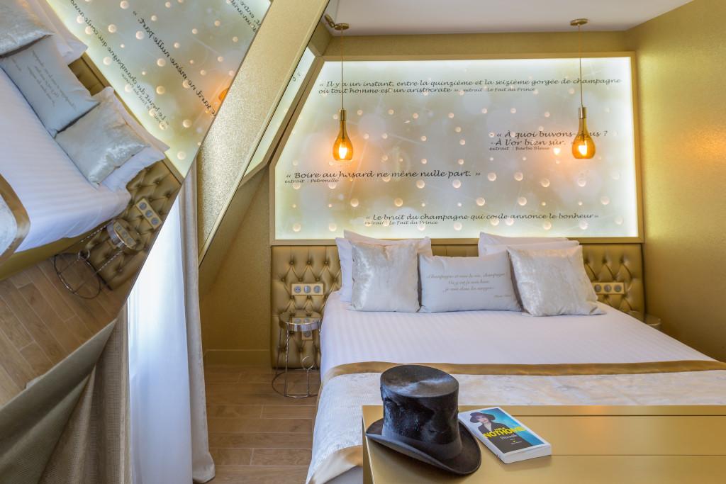 h tel les bulles de paris bar champagne paris frivole. Black Bedroom Furniture Sets. Home Design Ideas