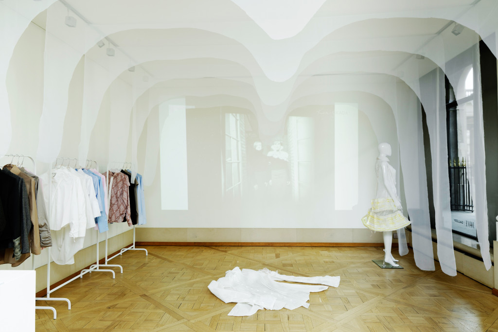 2-Exposition-Ken-Okada-15-ans-Onirik-Cocoon-Joyce-Gallery114
