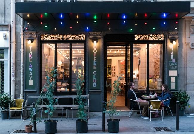 Coffee Club – Une Américaine à Paris – Rive Gauche