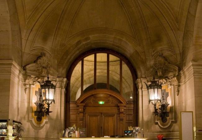 La Galerie de l'Opéra de Paris – vitrines spectaculaires – Palais Garnier