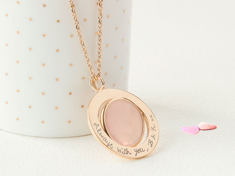 x-personalised-gem-spinning-necklace-mothers-merci-maman-10-800x600
