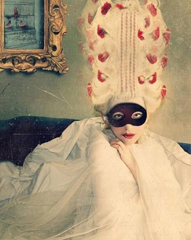 Paris Frivole - masque