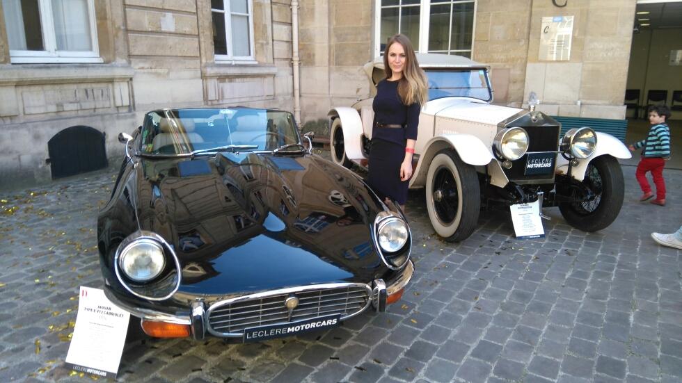 Sarah Paris Frivole - voitures vintage - JAGUAR