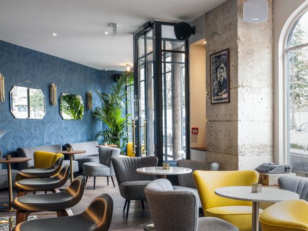 Hôtel André Latin – bar à cocktails – terrasse ensoleillée