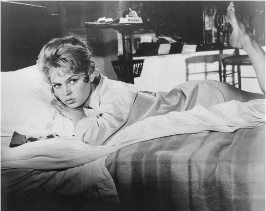 Brigitte Bardot - parisian woman - la parisienne