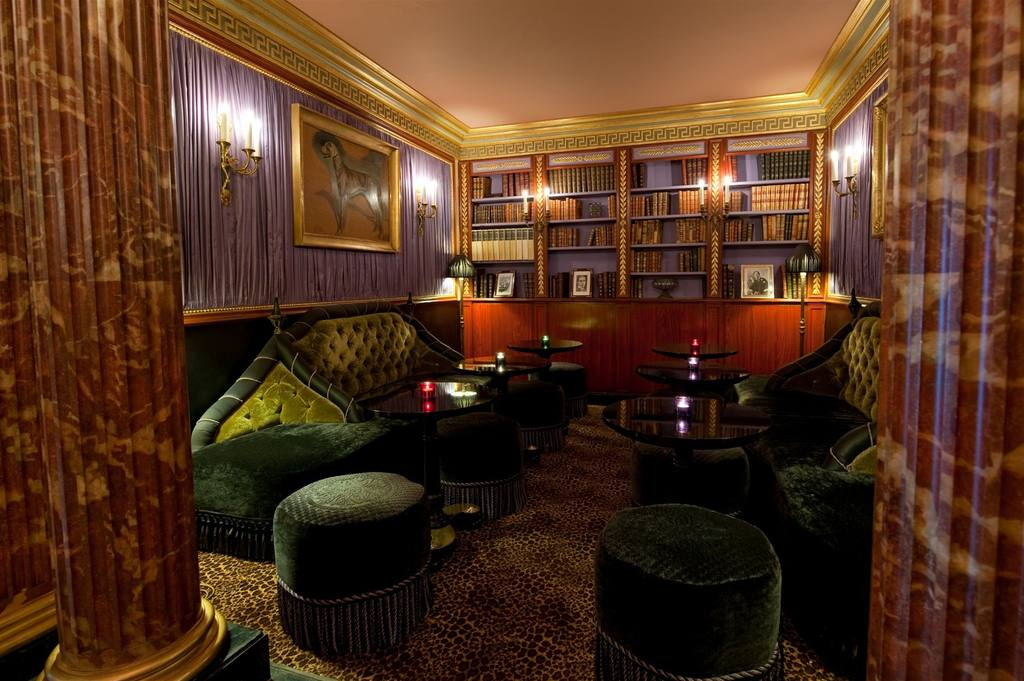 le-bar-de l hotel rue des beaux arts