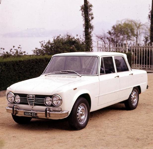 160610_Alfa-Romeo_Giulia-Super-1972_slider