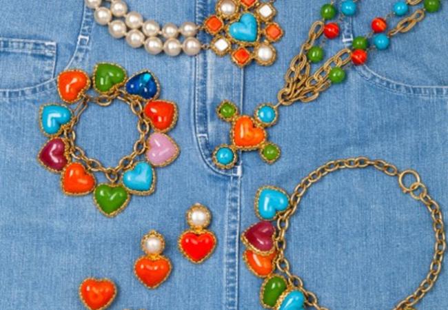 Chanel – 50 ans de bijoux – exposition et vente aux enchères – Drouot