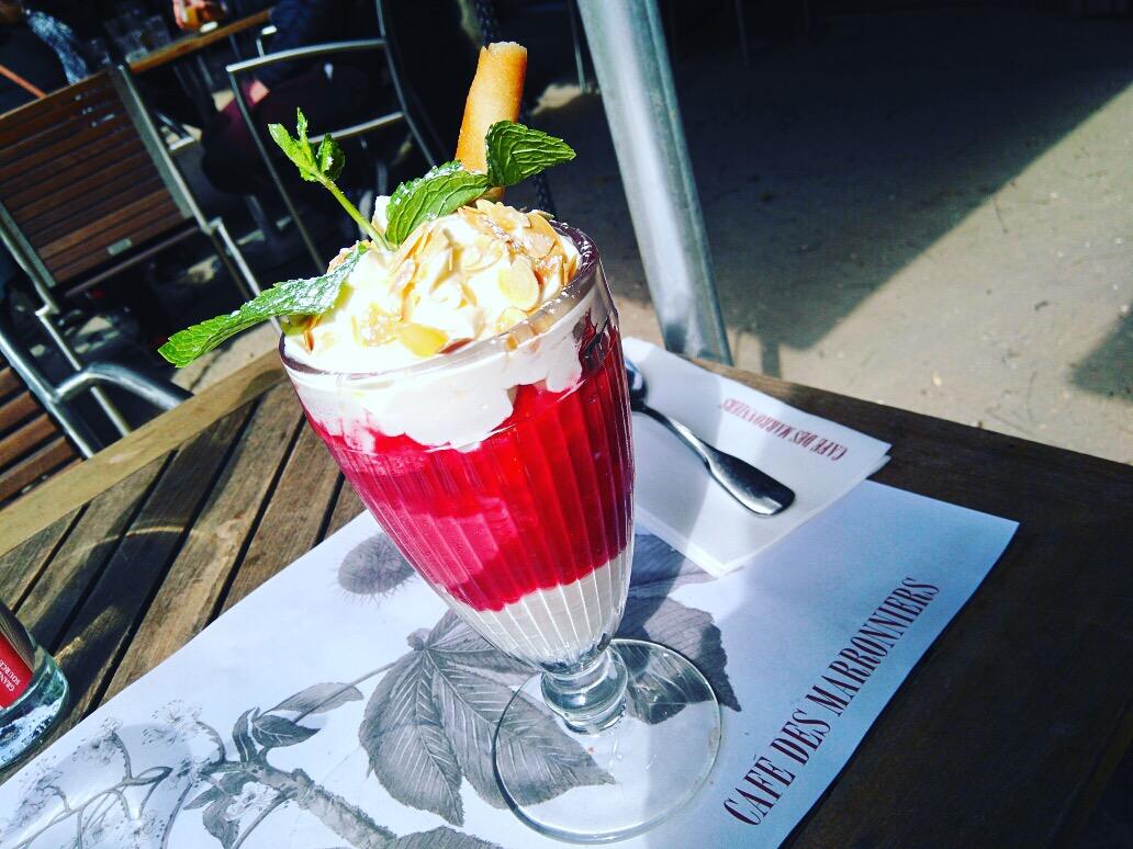Le caf des marronnier la belle terrasse du jardin des for Diner dans un jardin paris