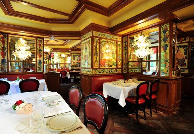 Au Pied de Cochon – l'incontournable brasserie des Halles