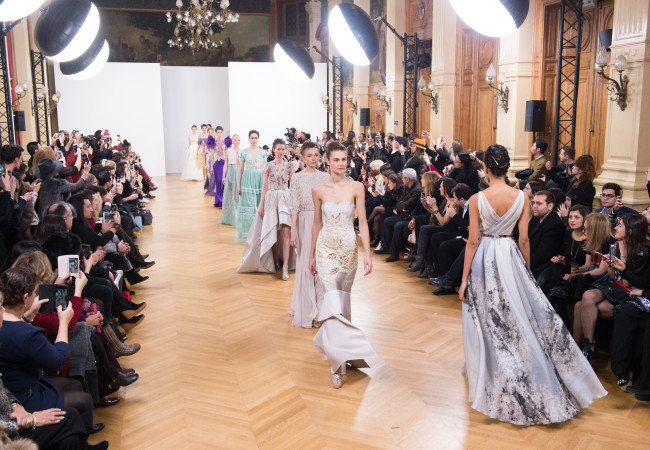 Paris Fashion Week Printemps Été 2017 – Dany Atrache Couture