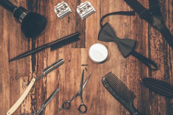 Une barbe élégante – matériel de barbier – Coupe-Chou