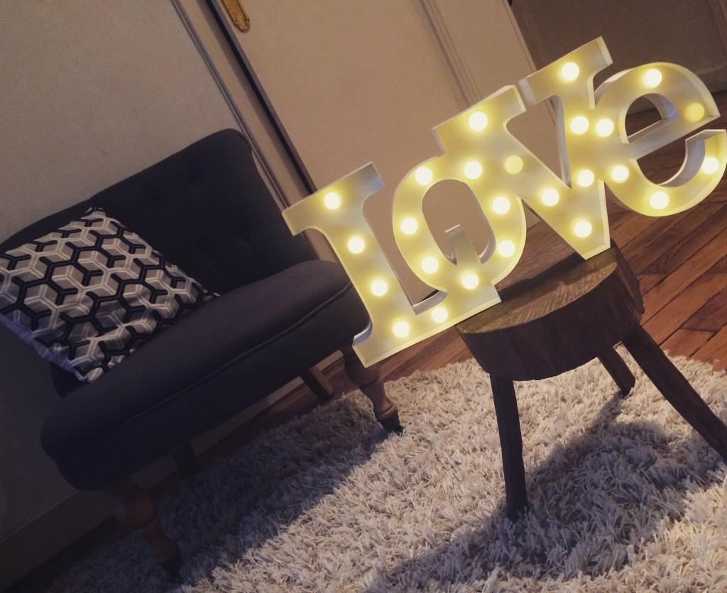 lampe led love - cadeaux folie