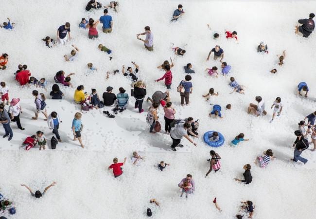 Colette célèbre ses 20 ans dans un océan de bulles au Musée des Arts Décoratifs