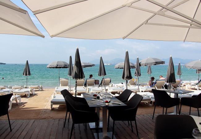 Le restaurant de la Plage Juliana – cuisine italienne – Cannes frivole