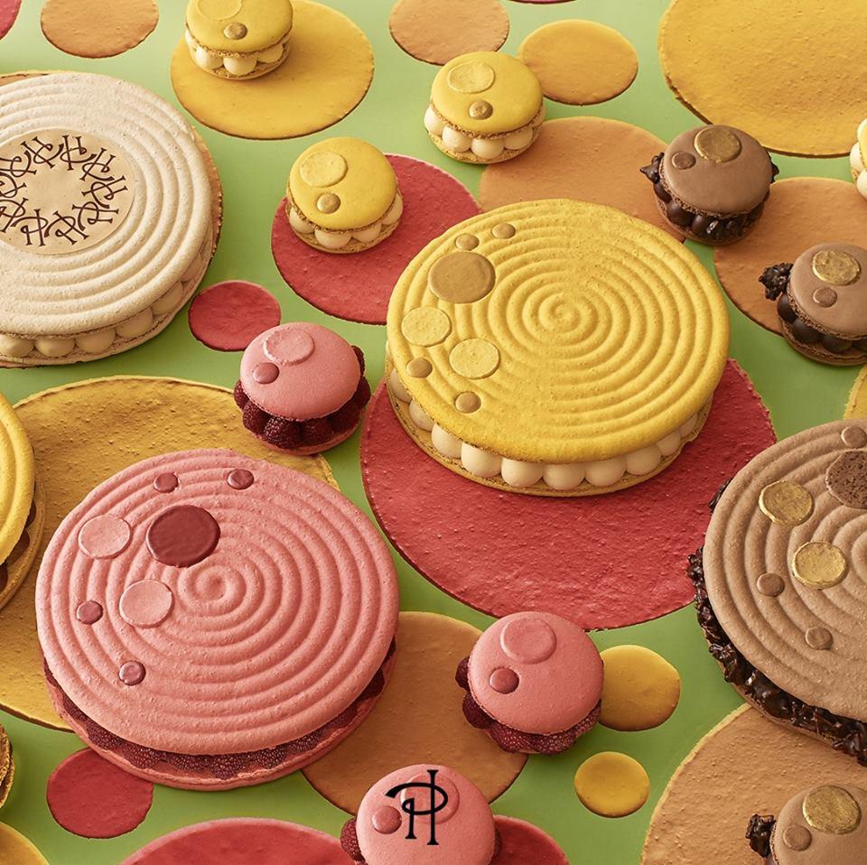 pâtisserie pierre hermé - macarons - paris frivole
