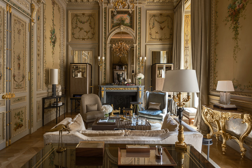Hôtel le Crillon Paris - paris frivole - hôtel 5 étoiles