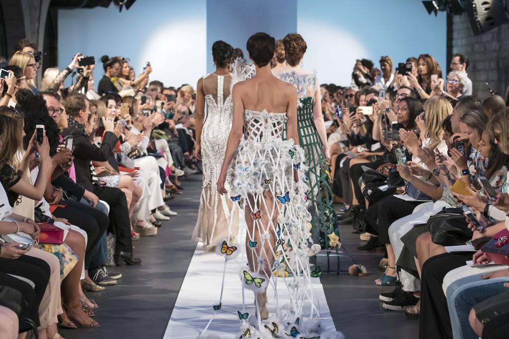 Laskaris - paris frivole - paris fashion week