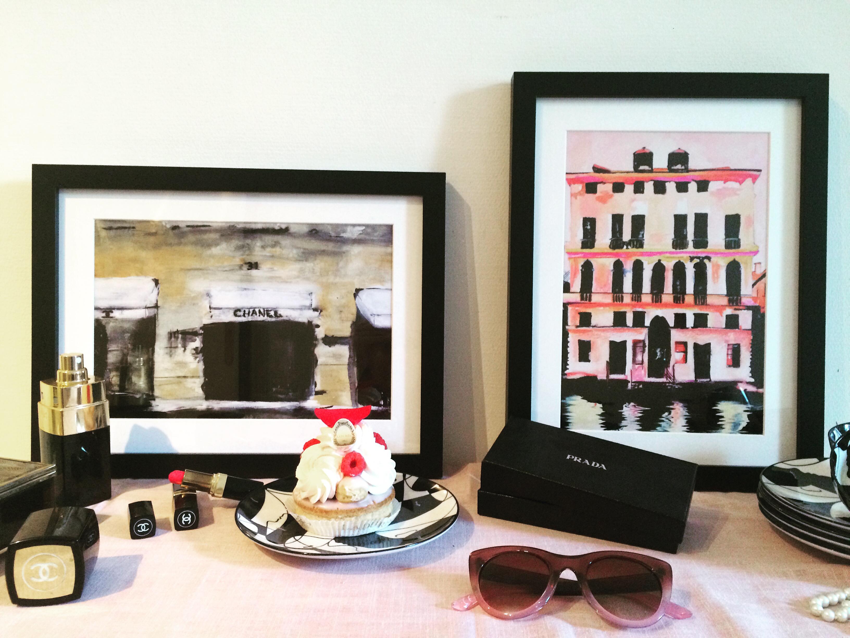 juniqe les oeuvres de leigh viner art mural paris frivole. Black Bedroom Furniture Sets. Home Design Ideas