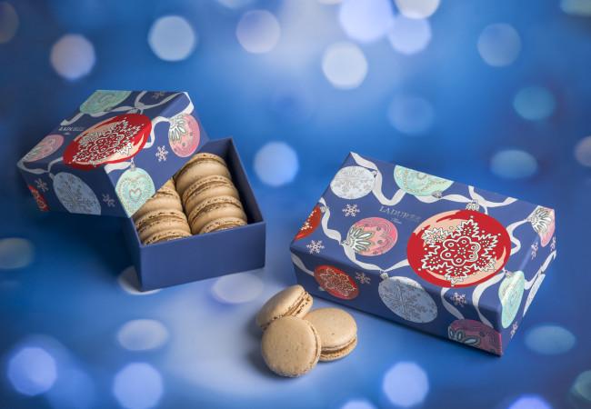 Noël chez Ladurée – macarons – bûches – pâtisseries