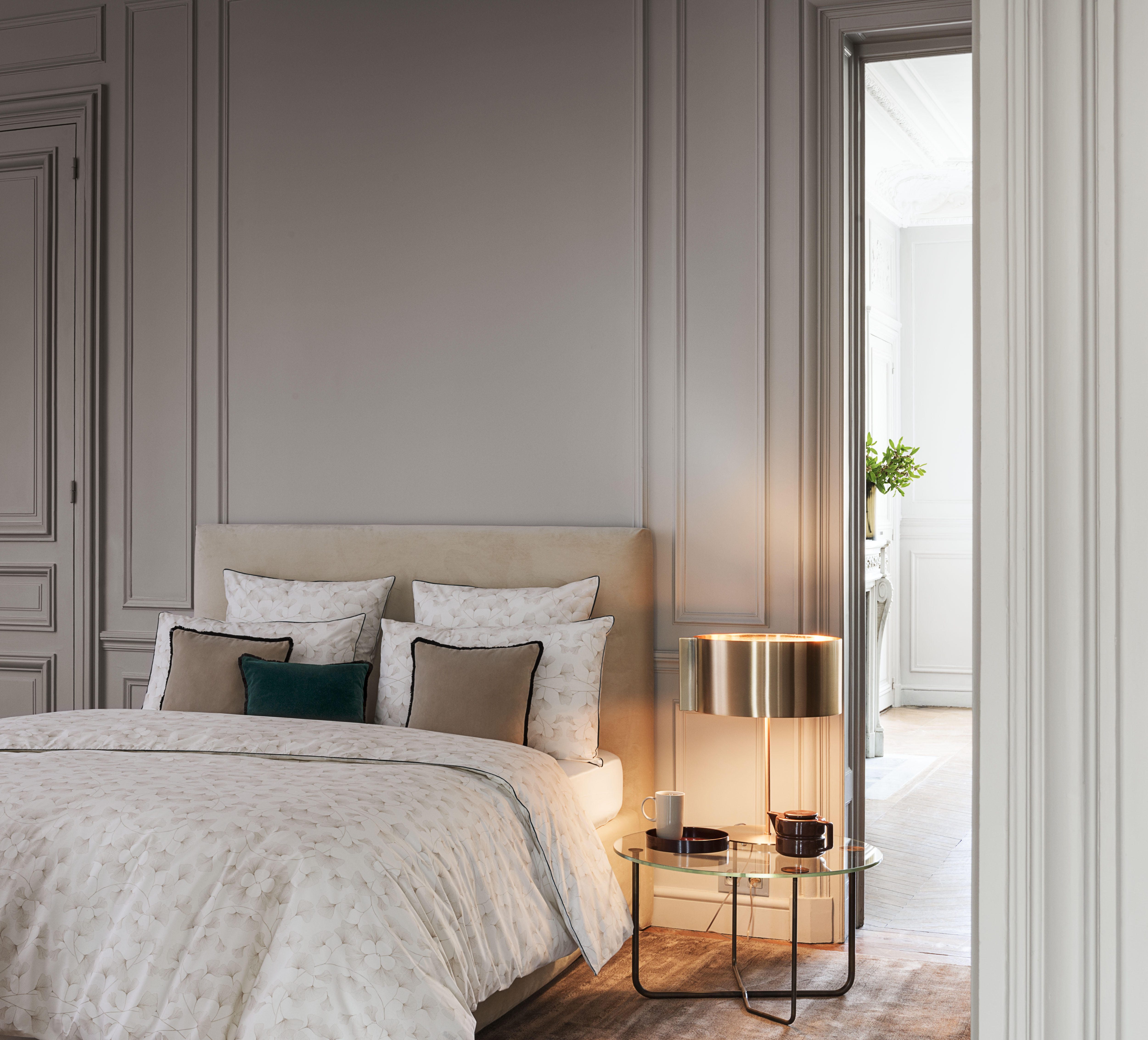 descamps parures de lit chics d coration savoir faire fran ais paris frivole. Black Bedroom Furniture Sets. Home Design Ideas