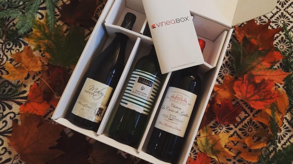 Vineabox - coffret de 3 bouteilles par mois - calendrier de l'avent du vin