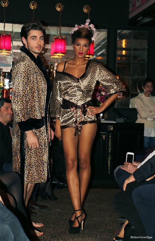 Le défilé de mode Paris Frivole pour Le Peignoir à l'Hôtel de Jobo