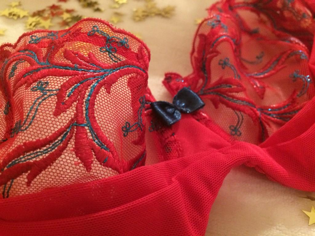 Axami - une parure rouge pour Noël - Miss Glam