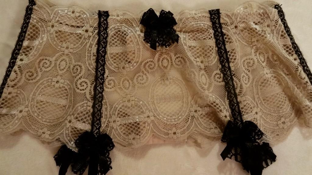Miss Glam - lingerie de luxe pour la Saint Valentin - Axami