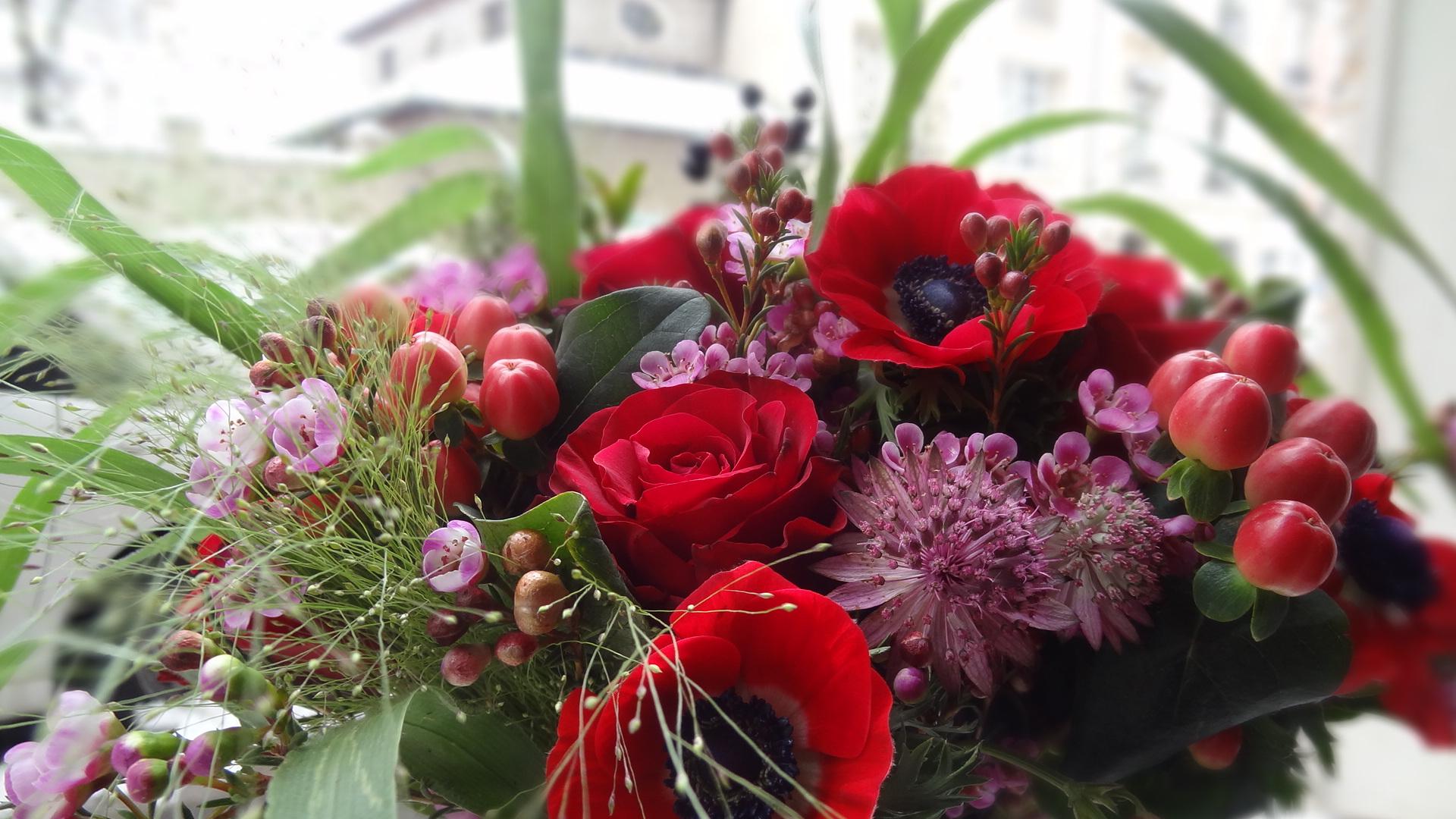interflora un bouquet de fleurs pour la saint valentin livraison paris frivole. Black Bedroom Furniture Sets. Home Design Ideas
