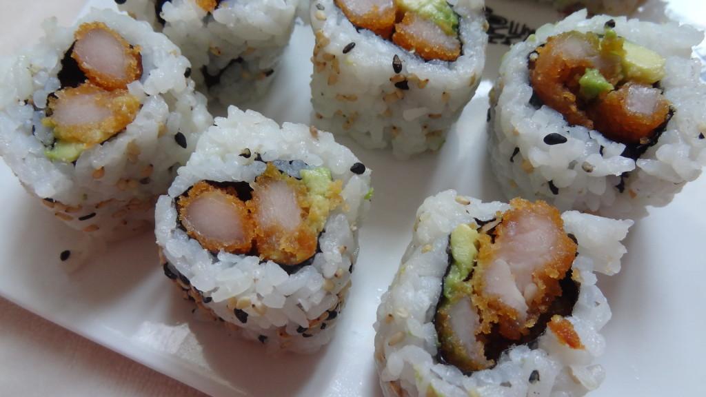 - California ou crispy poulet tempura poulet croustillant, avocat, salade icebergDSC05680