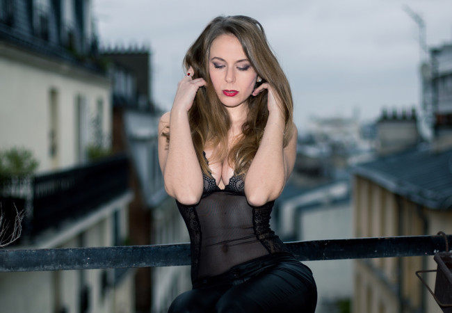 L'ingénieuse Paris – bodys en dentelle de Calais – lingerie fine