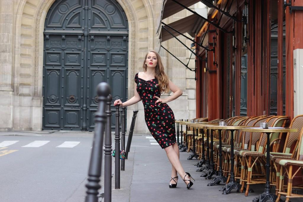 Miss Rétro Chic - un look de Parisienne rétro - robes et accessoires vintage
