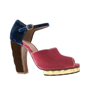 Sandales en velours 650€ MARNI en exclusivité pour le PRINTEMPS
