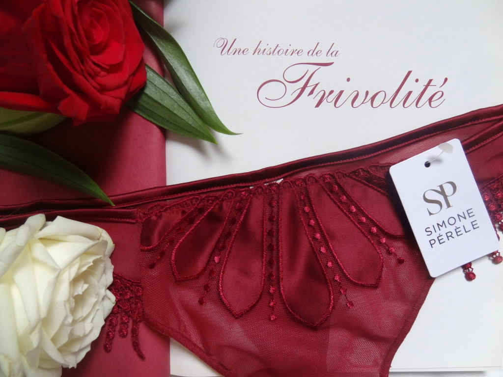 Dessus Dessous - lingerie fine - Simone Pérèle