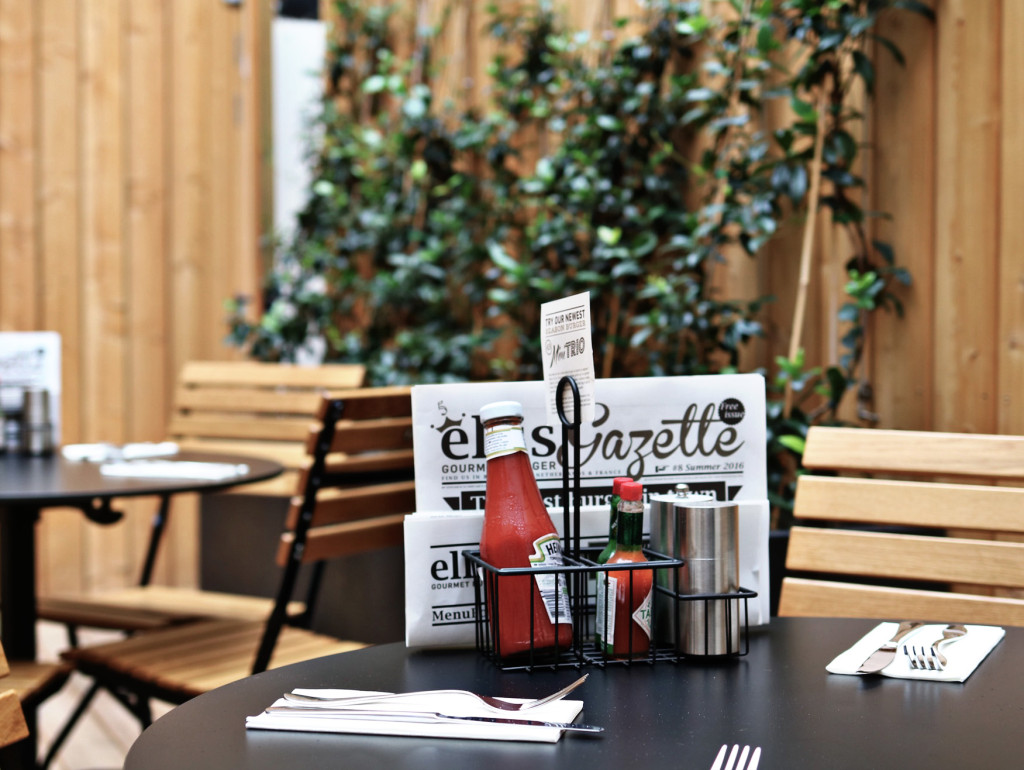 Ellis Bastille_Table Terrasse