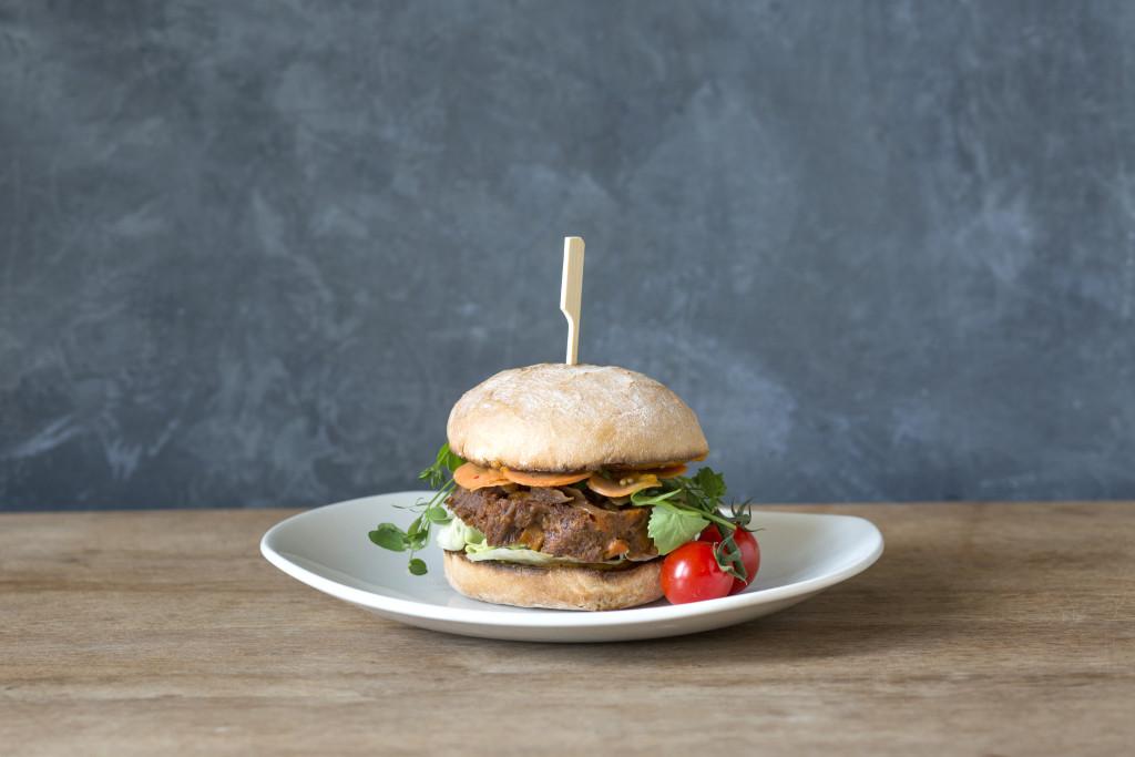 Rebel Pulled Boeuf_Ellis Gourmet Burger