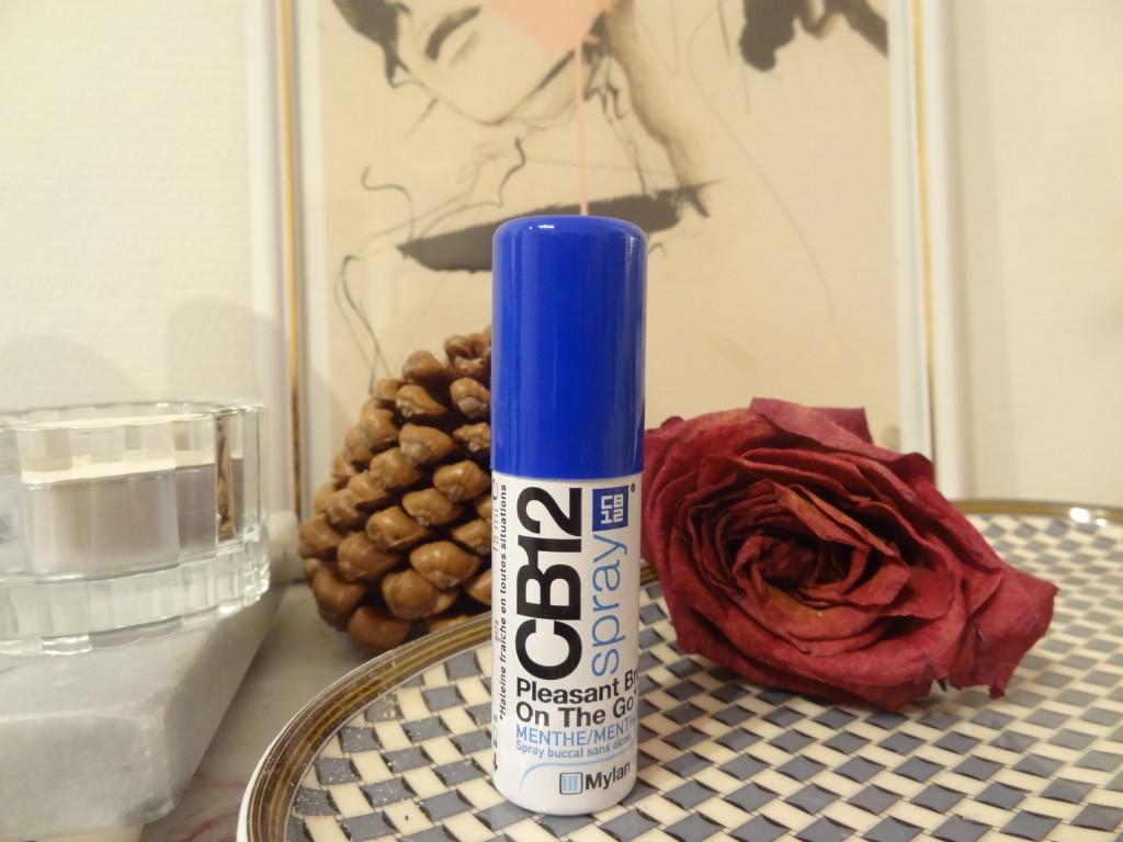 CB12 White  - un sourire étincelant - dents blanches