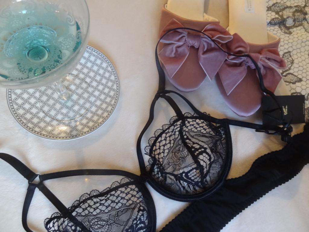 La lingerie strapping de la maison Perilla sur le eshop Leanelis