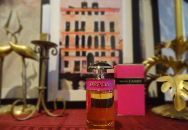 Parfum du Monde – Club Amilcar – Candy de Prada