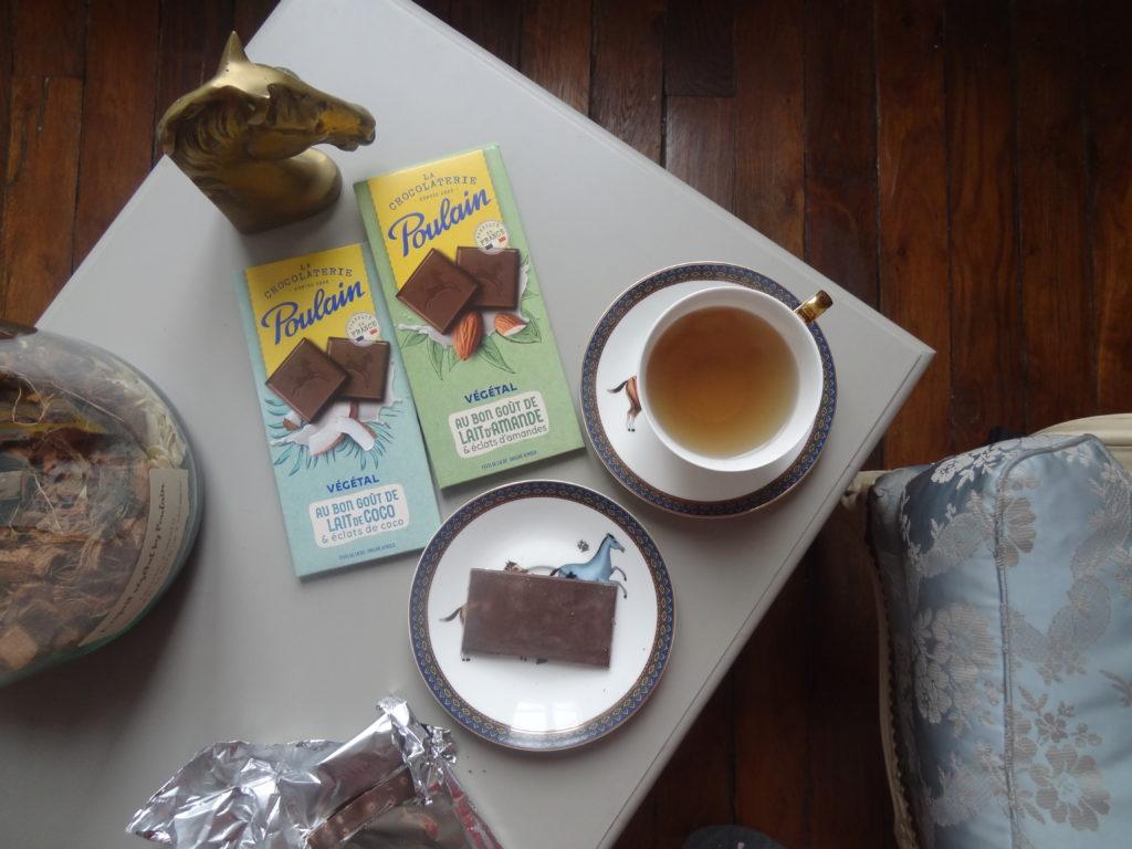 La Chocolaterie Poulain lance une gamme de chocolat au lait végétal d'amande et de coco