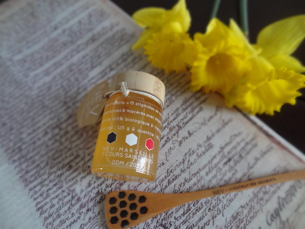 NEV Expérience – un miel d'acacia infusé au safran – biologique et Made in France