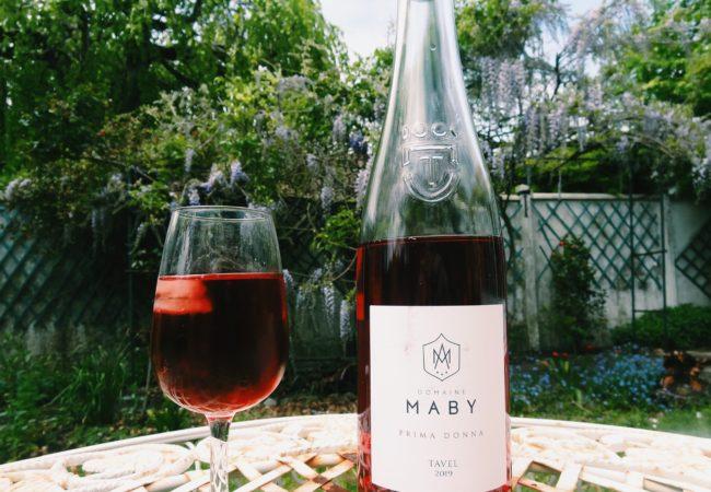 Tavel Domaine Maby Prima Donna 2020 – un rosé puissant pour célébrer les premiers barbecues