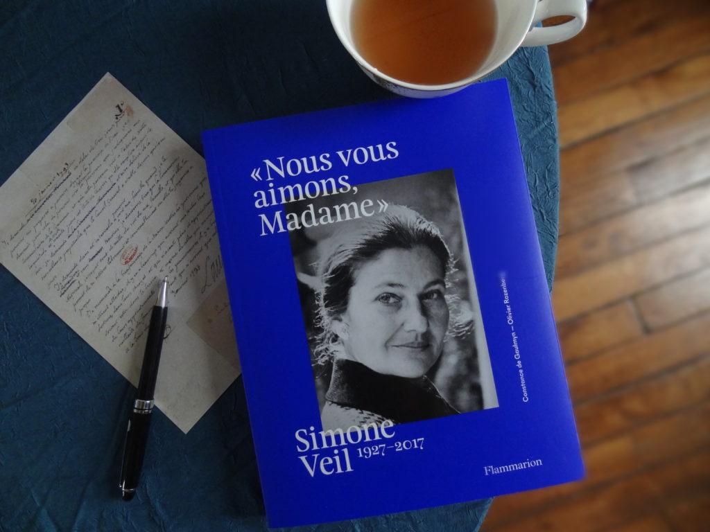 """""""Nous vous aimon Madame """" - Simone Veil 1927 - 2017 - éditions Flammarion"""