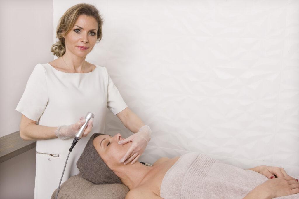La méthode Laetitia Fontanel - un protocole visage et corps - action anti-âge globale
